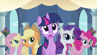 Rarity &amp; Twilight witness love S2E26