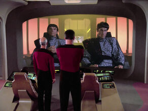 Romulans on viewscreen