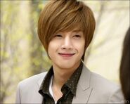 300140-kim hyun joong