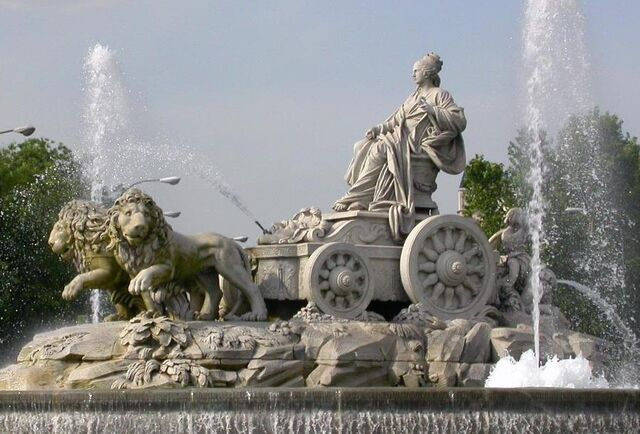 Archivo:Estatua-Rea-plaza-Cibeles-Madrid.jpg