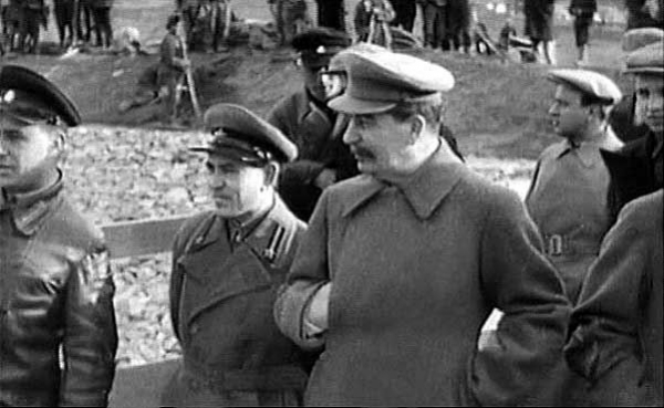 the contribution of joseph stalin to russias industrial system The main difference between lenin and stalin is that lenin allowed some joseph stalin: stalin tried to build an industrial powerhouse forgetting.