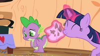 Spike's cheek is wiped S2E10