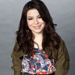 Miranda Cosgrove MTV photoshoot (2011) -2