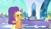 Applejack trying to conceal the heart S3E2