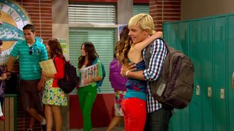 Auslly hug red and austin v ross is smiling -eep!-