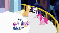 Looking over Shining Armor and Princess Cadance S3E2