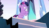Twilight clapping her hooves S3E2