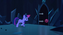 Twilight tries to open door again S3E2
