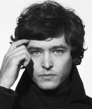 Alexander Vlahos-1