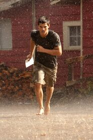 Breaking-dawn-photo-still-jacob-black-running-rain