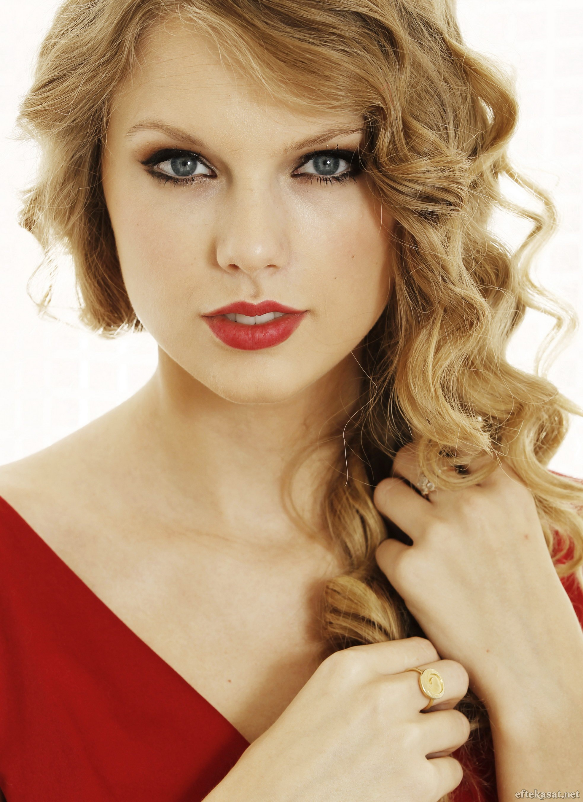 Taylor Swift - The Music Wiki - Your Subculture Soundtrack ...