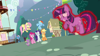 Twilight about to be kicked out S3E05