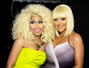 Nicki-minaj-christina-aguilera-american-music-awards-hair-1