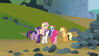 Mane 6 put plan into action S03E09
