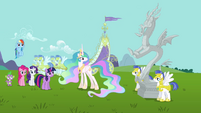 Main cast and Discord&#39;s statue wide shot S03E10