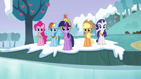 Twilight and main cast &quot;it&#39;s back to being stone&quot; S03E10