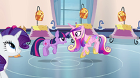 Twilight and Cadance ladybug dance S03E12
