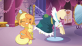 Applejack under some distress S03E13.png