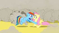 Rainbow Dash picking up Fluttershy S2E26