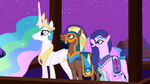 Princess Celestia and her guests enjoy Twilight&#39;s performance S3E05