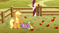 Applejack wins the lasso event S1E13