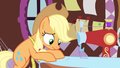 Applejack trying hard S3E13.png