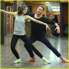 Zendaya-coleman-DWTSRehearsalN0.2