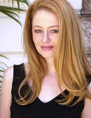 http://images2.wikia.nocookie.net/__cb20130410163039/lotr/images/1/18/Miranda_Otto.jpg