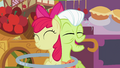 Granny Smith enjoys Apple Bloom's new talent S2E06.png