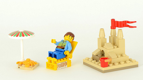 http://images2.wikia.nocookie.net/__cb20130420102259/lego/images/6/6f/40054-3.jpg