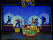 TheWigglesandCaptainFeatherswordinTheWigglyBigShow