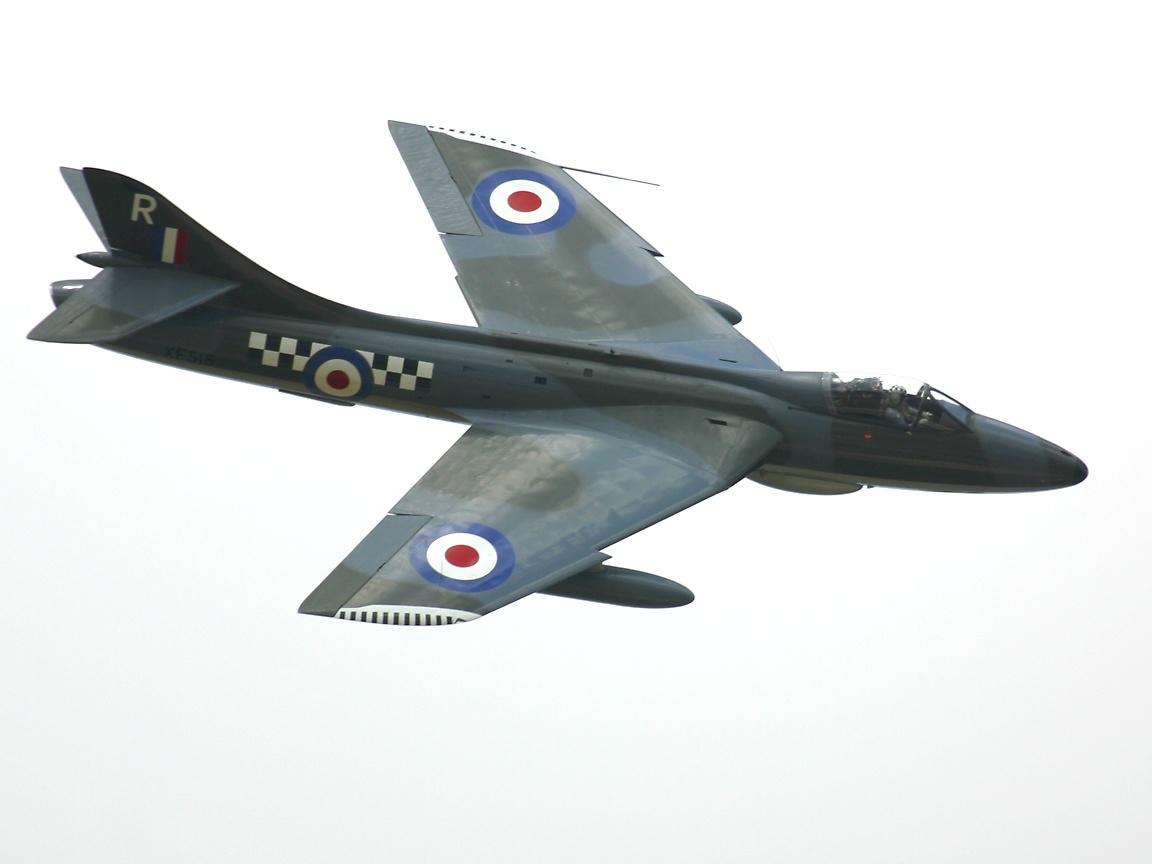 Fuerzas Armadas del Reino Unido HawkerHunterBanking