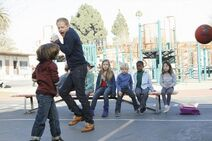 Modern-Family-Season-4-Episode-18-The-Wow-Factor
