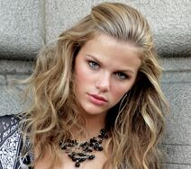 Brooklyn Decker 4
