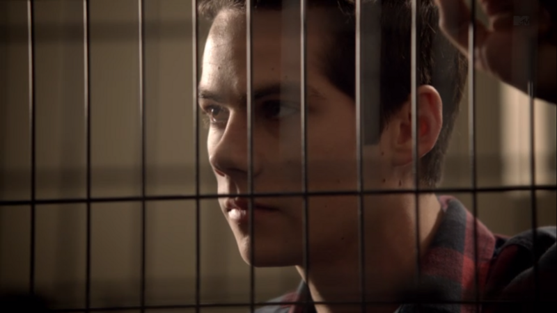 Teen Wolf (II) - Page 6 800px-Teen_Wolf_Season_3_Episode_7_Currents_Dylan_O'Brien_Stiles_To_tell_or_not_to_tell