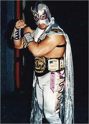 http://images2.wikia.nocookie.net/prowrestling/images/thumb/0/00/Ultimo-Dragon.jpg/180px-Ultimo-Dragon.jpg