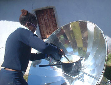 Parabolic solar cooker