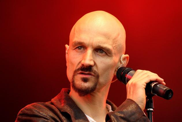 James singer Tim Booth calls Simon Cowell an antichrist and speaks sense about the death of music